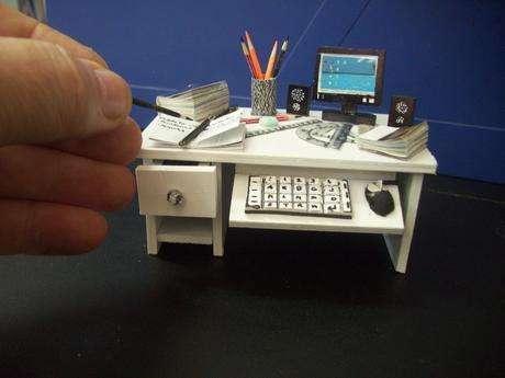 Çalışma masası minyatürü
