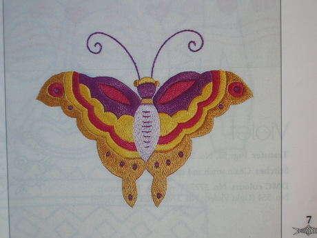kelebek desenlerinden işlenmiş bir örnek