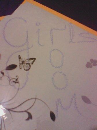 girls room yazı