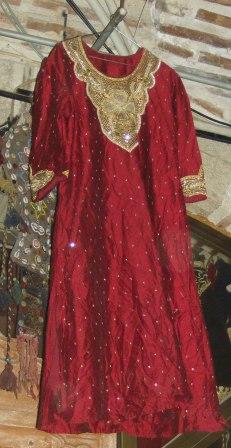 Bu giysi Türkmenistan'dan