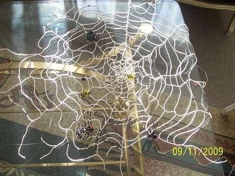 sehpa örtüsü örümcek ağı