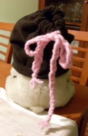 Pembe bağcıklı acı kahverengi polar şapka