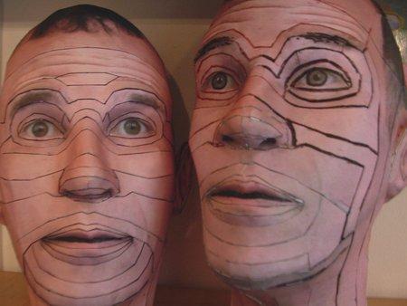 Self Clone, kağıt malzeme
