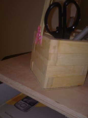 Gerekli malzemeler: Jenga tahtaları, ağaç tutkalı