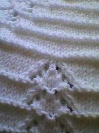 beyaz bebek hırkası