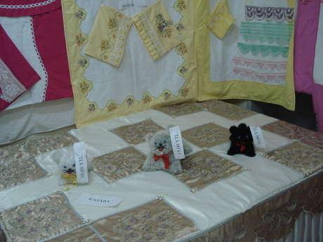 öğrencilerimin yaptığı pike takımları ve yatak örtüsü
