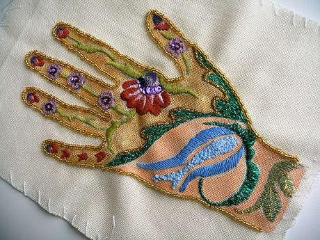 http://elizi-tuhfe.blogspot.com/2006_06_01_archive.html