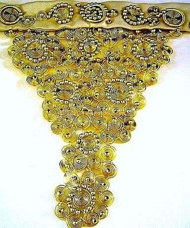 Altın rengi telle çalışılmış versiyonu