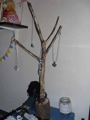 ağaç takılık(www.selenzafer.blogspot.com)