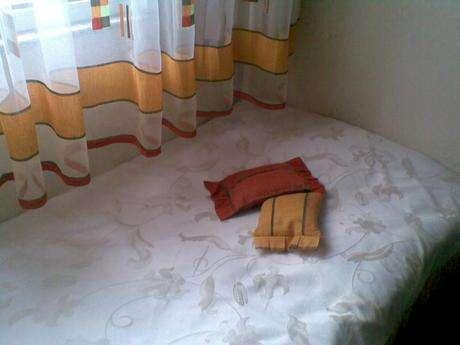 perdeden kestiğim kalan küçük parçayıda bu şekilde dekoratif amaçlı yastık yapmıştım