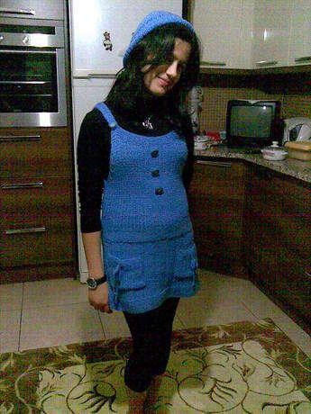 Mavi tunik ve şapka tam genç kızlara göre,kızımda çok severek kullanıyor.lastik ve düz örgüden oluşuyor.