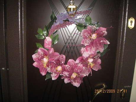 vazosu kırılan çiçeklerden kapı süsü yaptım