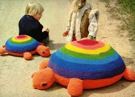 biri anne öbürü yavru kaplumbağa