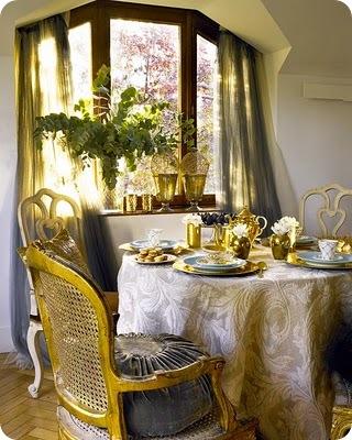 altın yaprak sandalyeler