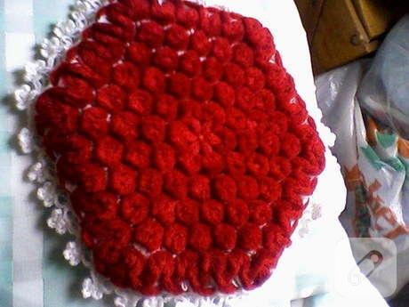 ponponlu kırmızı lif
