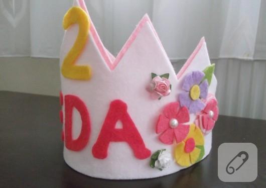 Doğum Günü Tacı