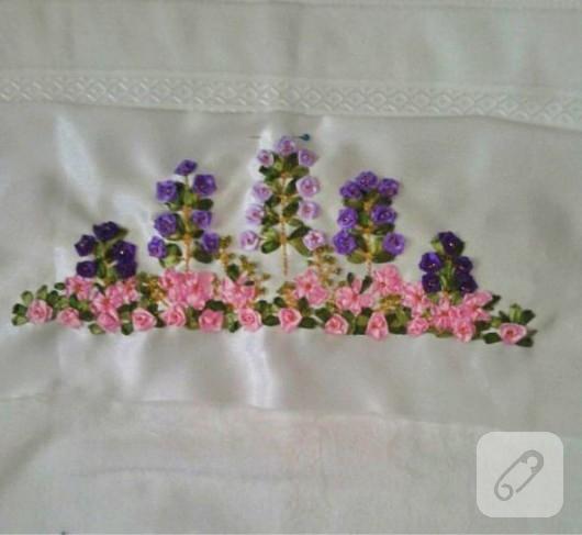 Minik çiçekli Kurdele Nakışı Havlu Kenarı
