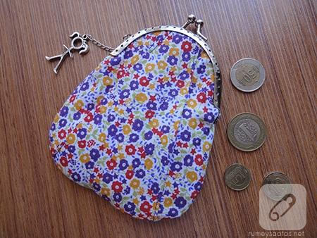 Pileli bozuk para çantası