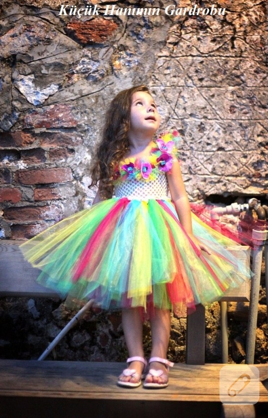 cocuklar-icin-renkli-tutu-elbise-modelleri