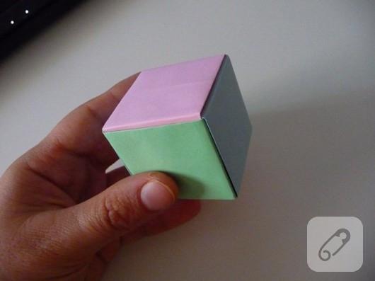 Origami küp