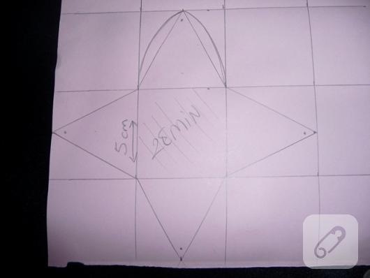 piramit-karton-hediye-kutusu-sablonu