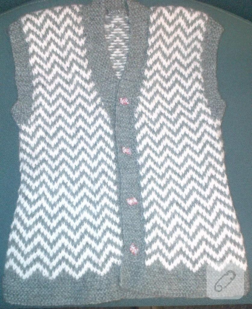 İki renkli örgü bebek hırka yelek battaniye modeli