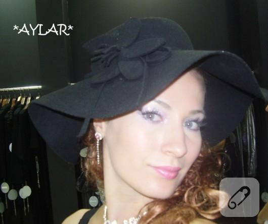 Keçeden siyah şapka
