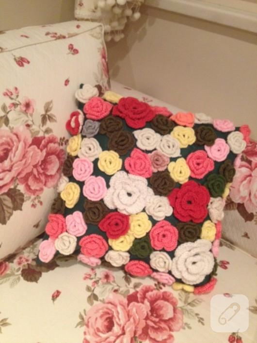 Çiçek yastık