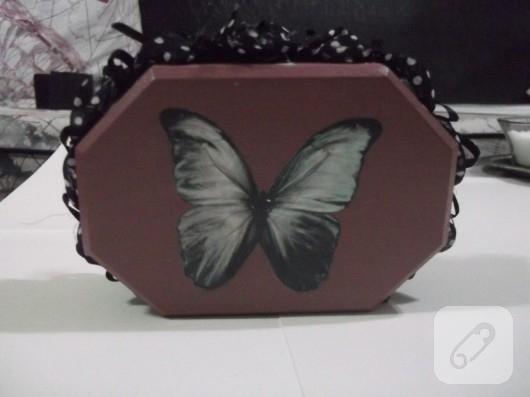 kelebekli kutu