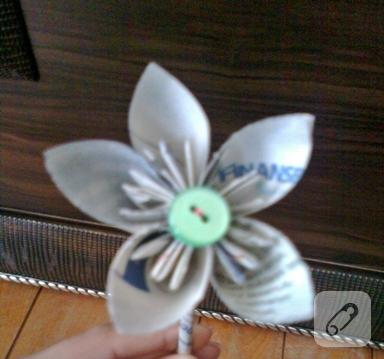 Kağıttan çiçek