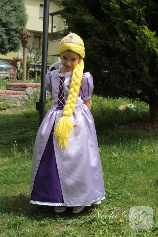 Rapunzel kostümü