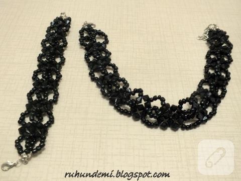 Siyah kolye