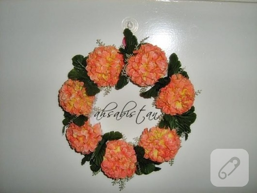 çiçekli kapı süsü
