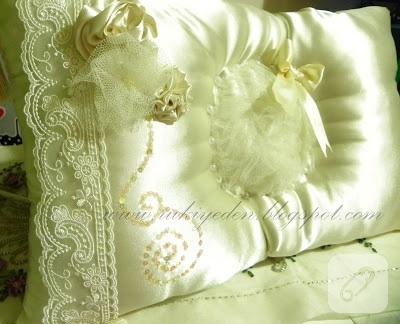 nişan yastığı