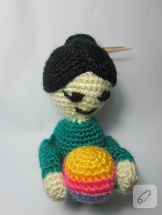 Amigurumi oyuncak bebek
