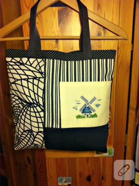 Kanaviçe işlemeli kumaş çanta