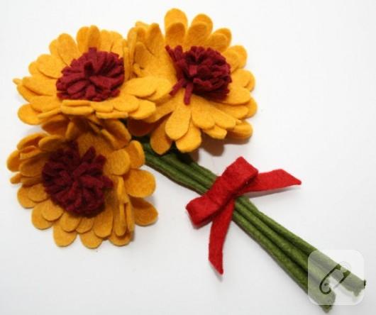 Keçeden çiçekler