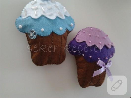 Keçe cupcake bebek şekerleri
