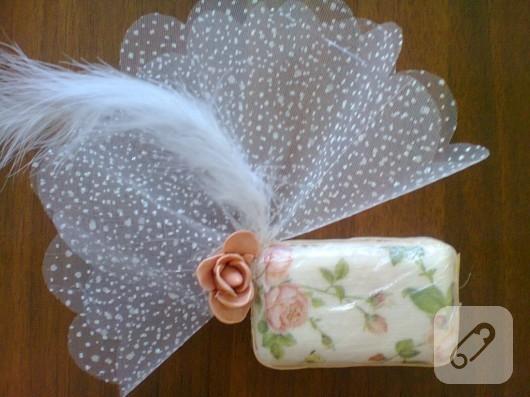 Peçete dekupaj ile sabun süsleme