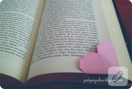 Kağıttan kalpli kitap ayracı yapımı