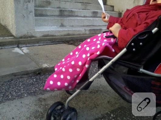 Bebekler için polar diz örtüsü