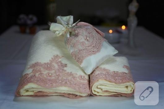 Fransız güpürlü havlu kenarı