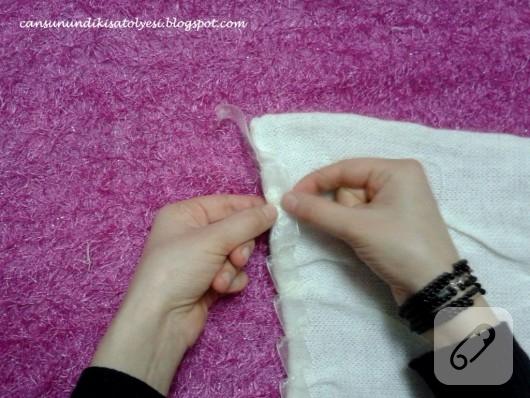dikişle kapşonlu beyaz atkı yapımı