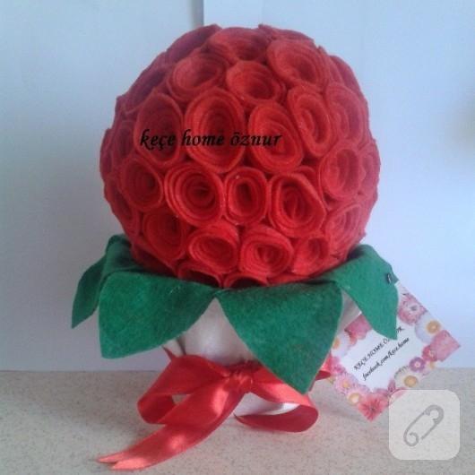 Keçe çiçek topu