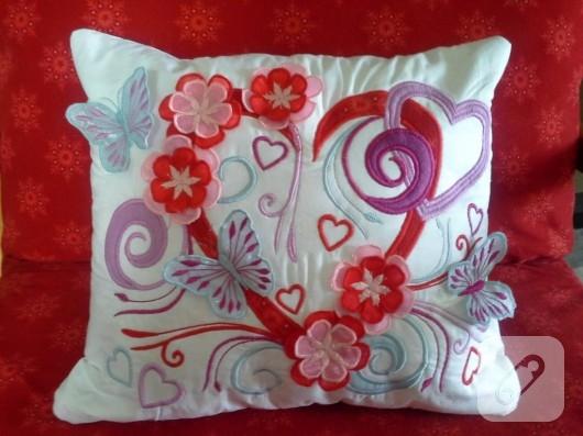 nakışlı yastık