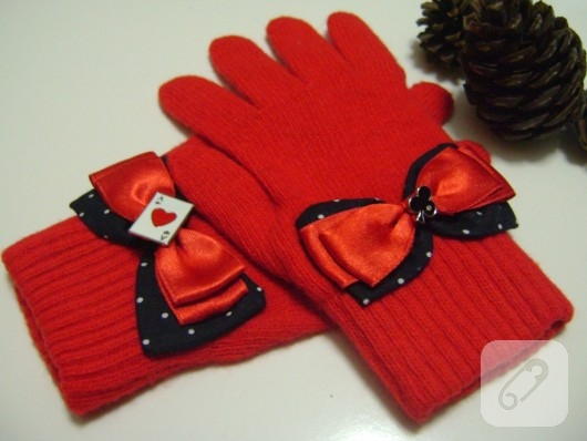 kırmızı eldiven