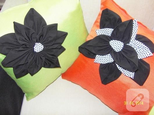 çiçekli yastık