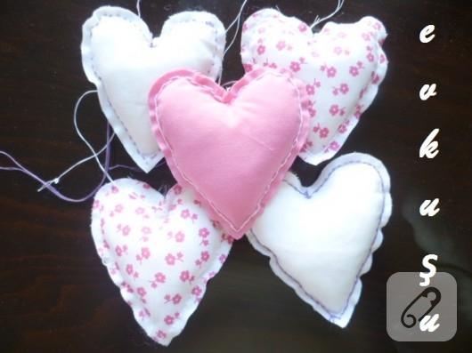 İçi dolgulu kumaş kalpler