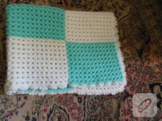 El örgüsü bebek battaniyesi