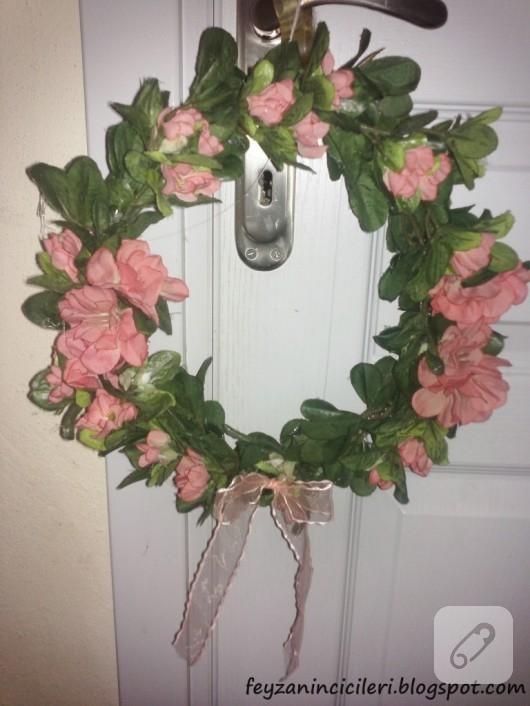 yapma çiçekli kapı süsü